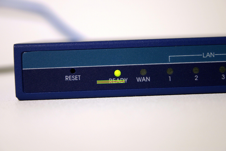 Sambungan Internet ADSL untuk dua komputer. Bagaimana ia betul?
